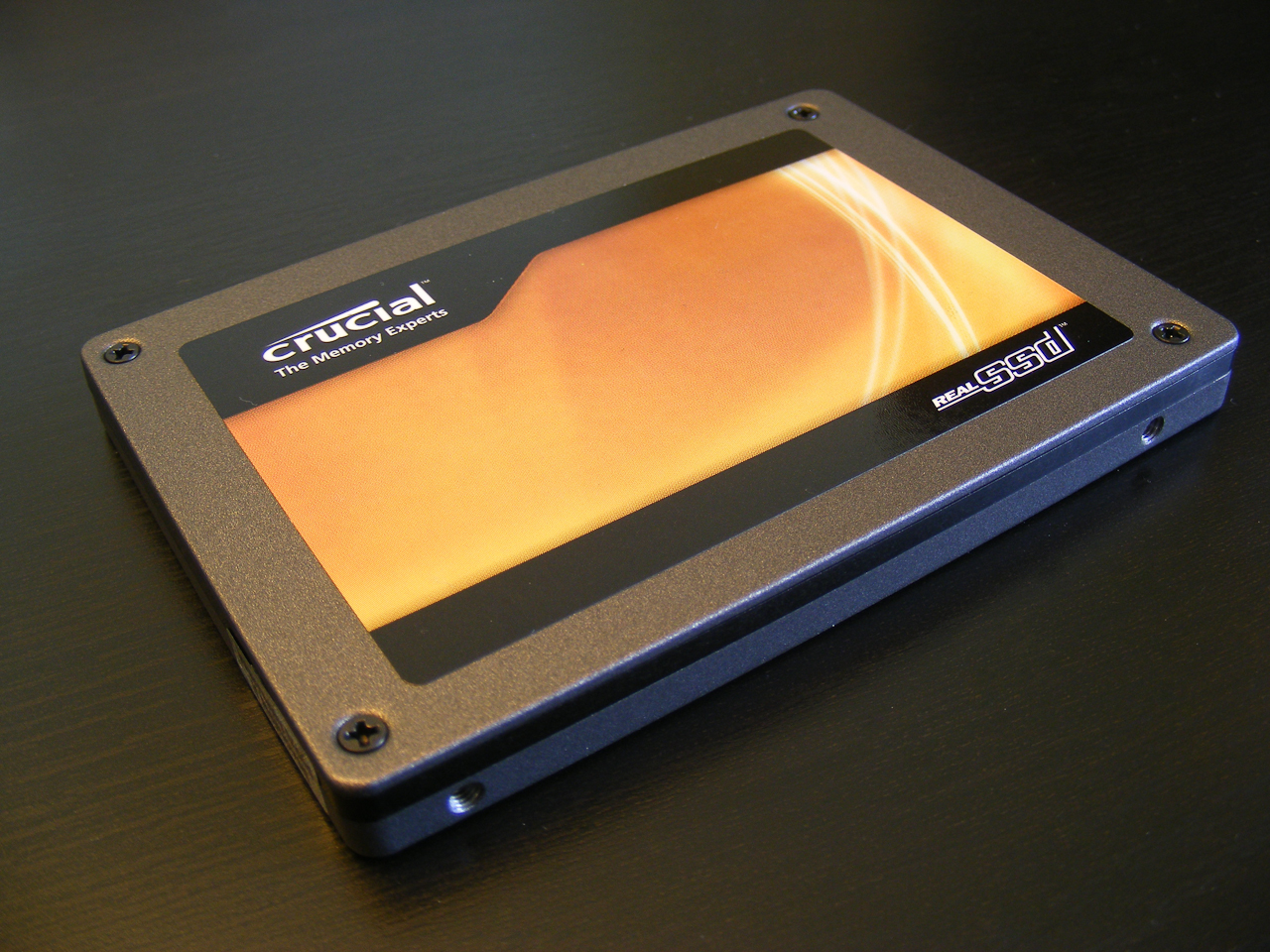 Crucial RealSSD C300 256GB (front)